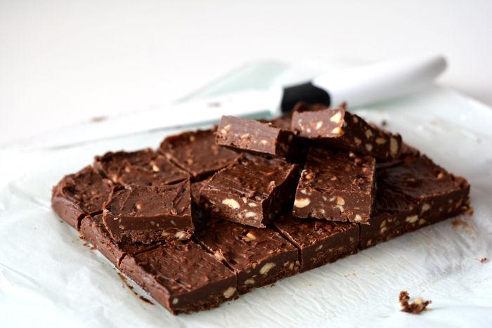 Čokoladne kocke sa lešnikom