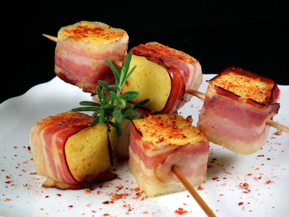 Kukuruzne kocke sa slaninom