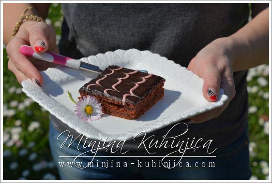 Čokoladni kolač sa jogurtom