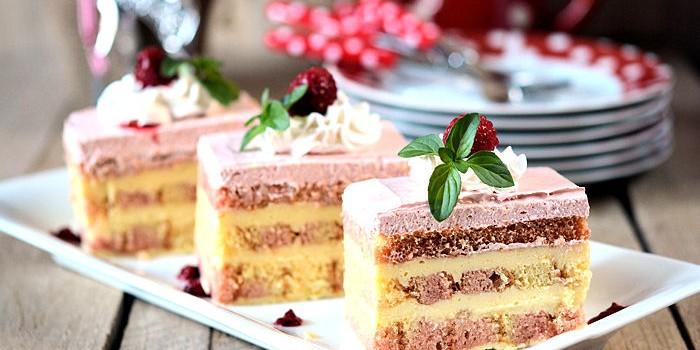 Jastuk torta sa malinama