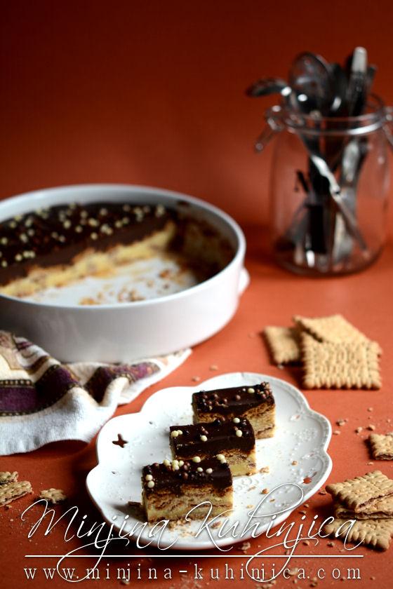 Zapečeni kolač sa keksom i čokoladom