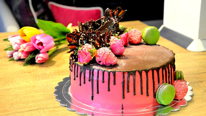 Chocolate Drip Decorating Tutorial
