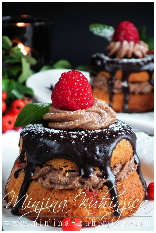 Čokoladne tortice sa malinama