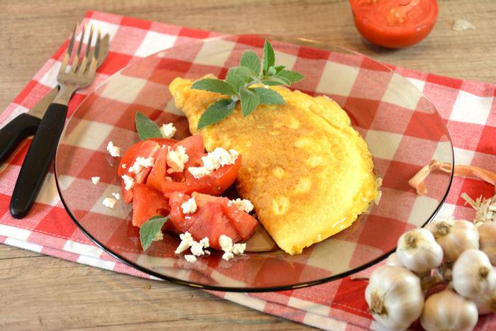 Omlet sa belim lukom i sirom