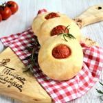 Pogačice sa čeri paradajzom (video)