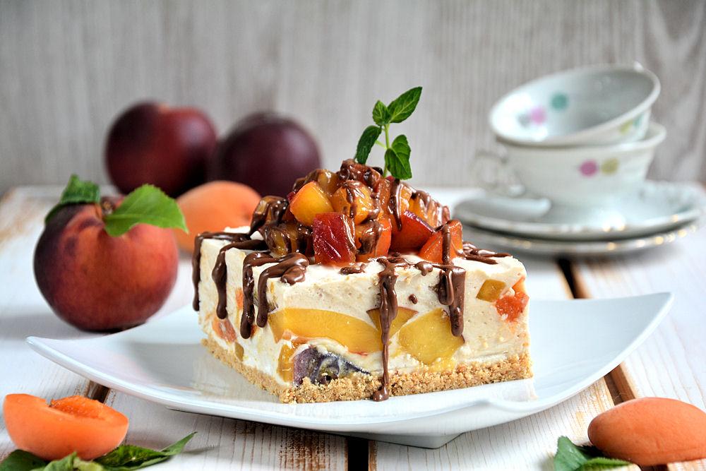 Nepečeni kolač sa breskvama i kajsijama