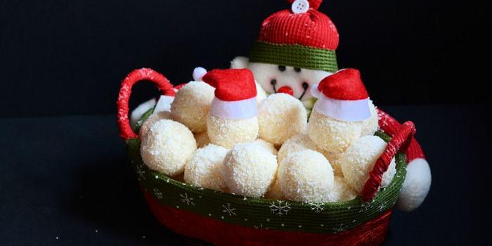 Bele kokos bombice