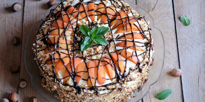 Bakina griz torta sa kajsijama