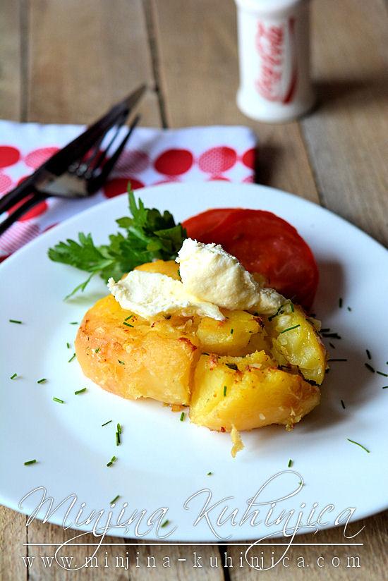 Krompir sa kajmakom i belim lukom