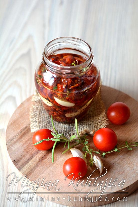 Sušeni čeri paradajz